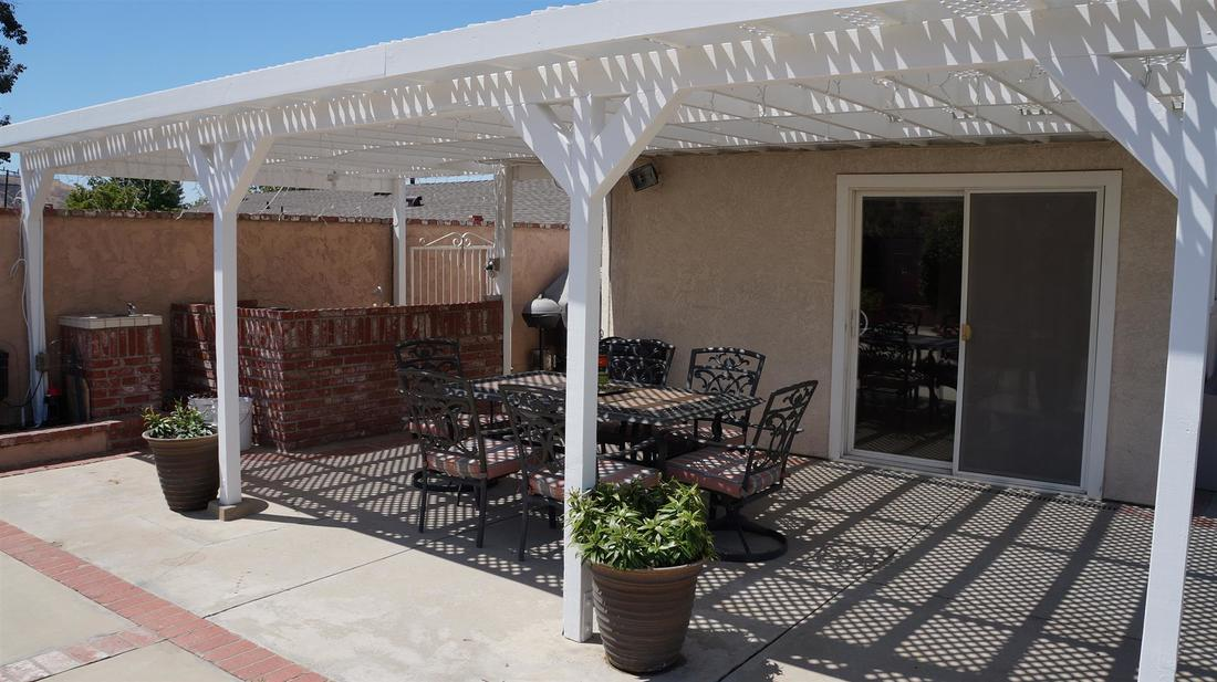 12762 Fenton Avenue, Sylmar, CA 91342 - Backyard (2)
