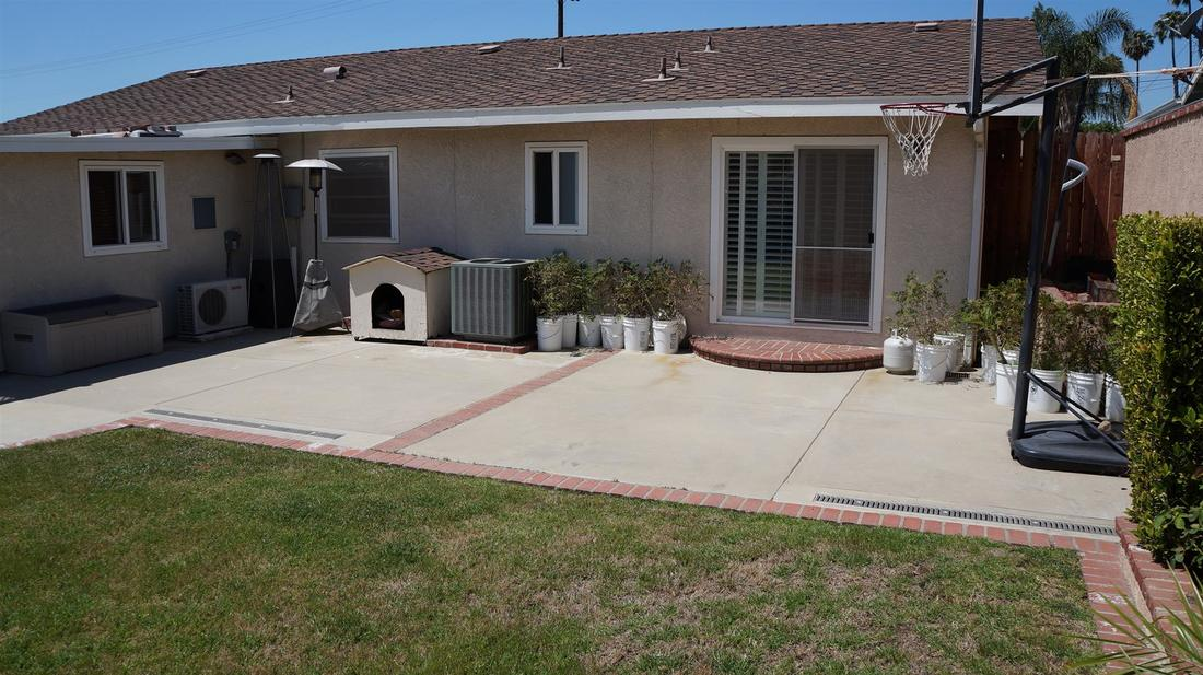 12762 Fenton Avenue, Sylmar, CA 91342 - Backyard (7)