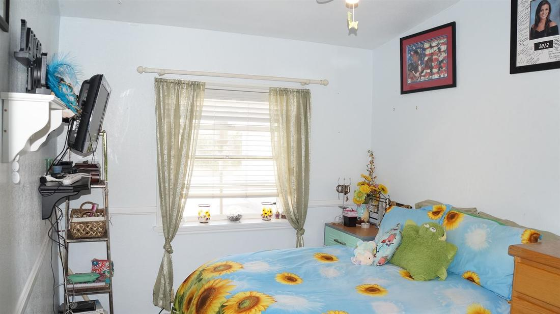 12762 Fenton Avenue, Sylmar, CA 91342 - Bedroom 3