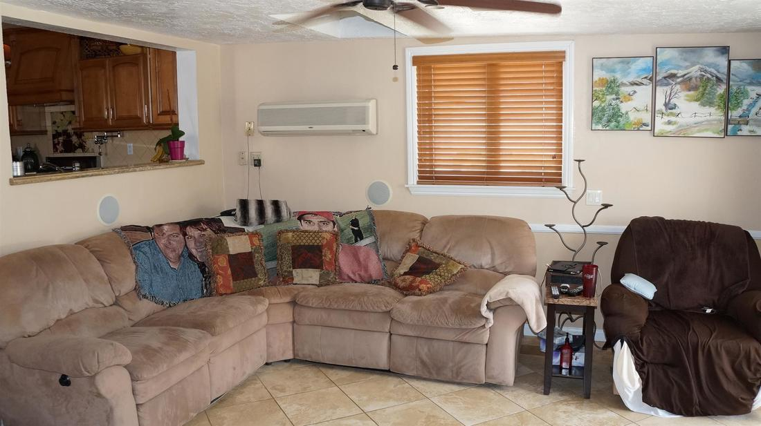 12762 Fenton Avenue, Sylmar, CA 91342 - Family Room (2)