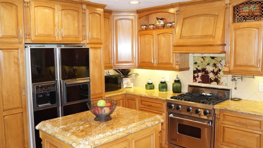 12762 Fenton Avenue, Sylmar, CA 91342 - Kitchen (3)