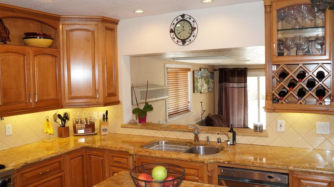 12762 Fenton Avenue, Sylmar, CA 91342 - Kitchen (5)