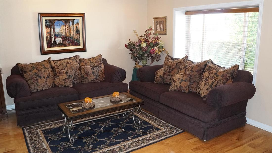 12762 Fenton Avenue, Sylmar, CA 91342 - Living Room (1)