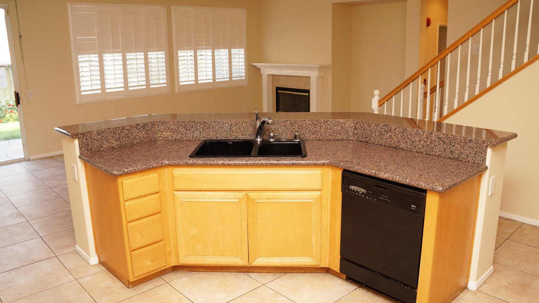 1704 Urbana Lane, Oxnard, CA 93030 - Kitchen (6)