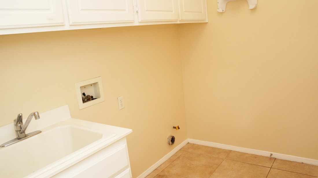 1704 Urbana Lane, Oxnard, CA 93030 - Laundry Room (2)