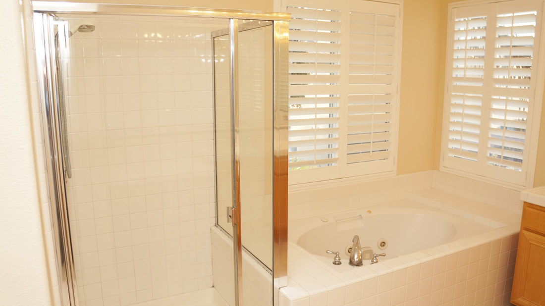 1704 Urbana Lane, Oxnard, CA 93030 - Master Bathroom (1)