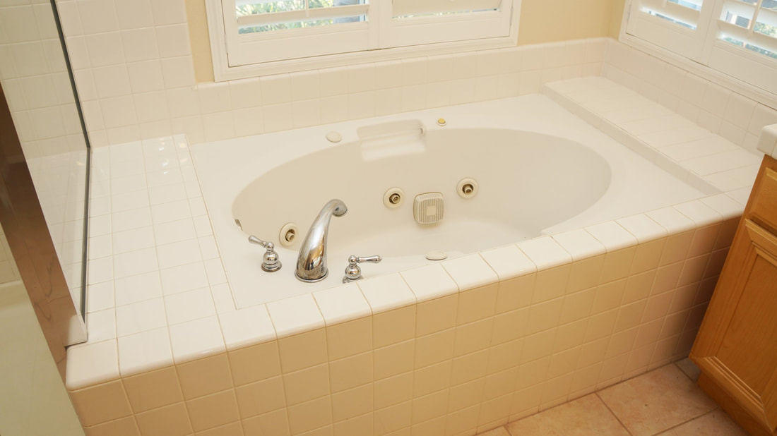 1704 Urbana Lane, Oxnard, CA 93030 - Master Bathroom (2)