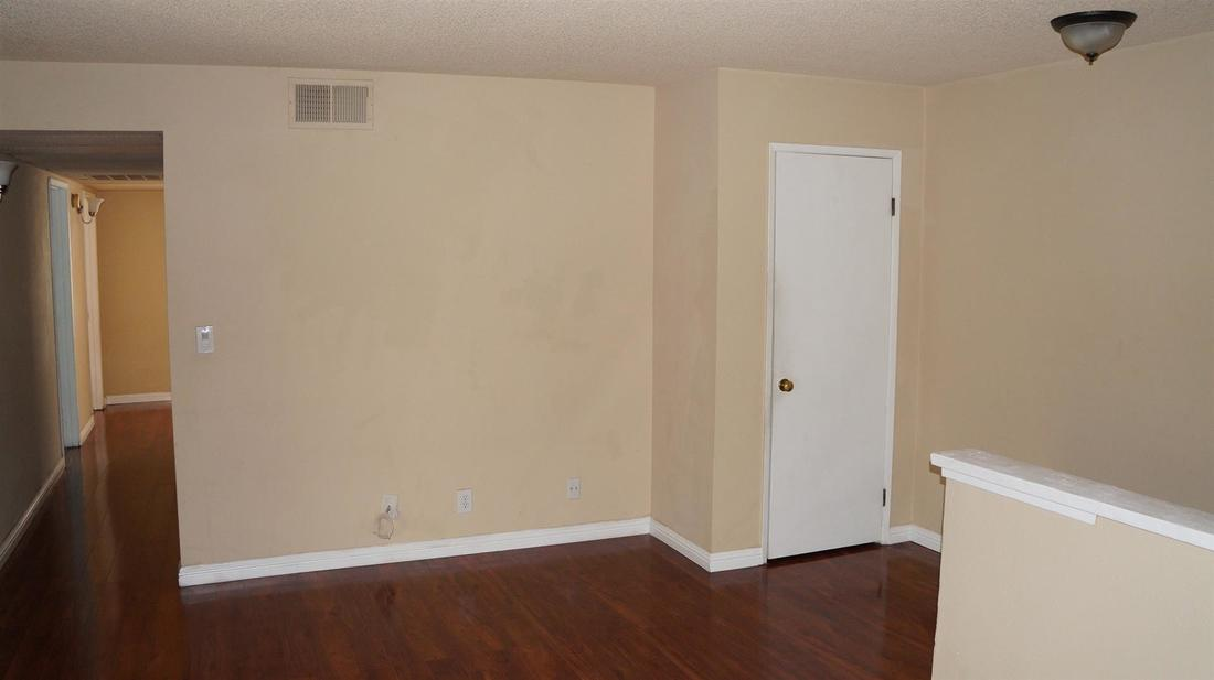 26846 Claudette Street #205, Canyon Country, CA 91351 - Living Room (1)
