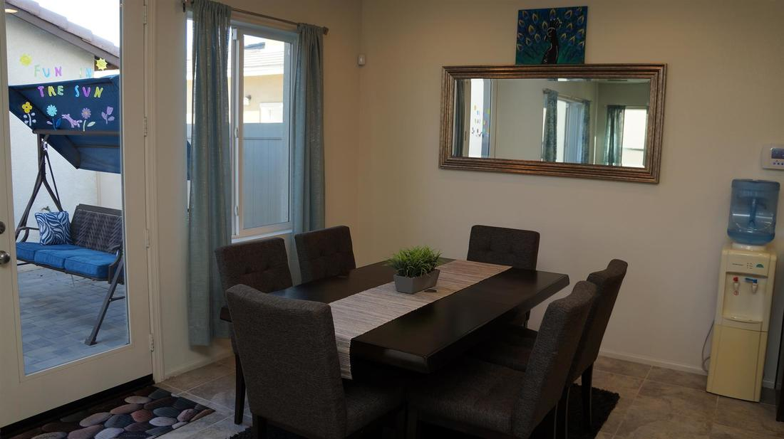 675 Seine River Way, Oxnard, CA 93036 - Dining Room