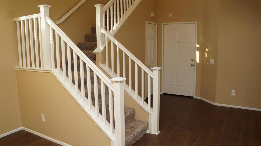 27511 Nike Lane, Canyon Country, CA 91351 - Entry / Stairway