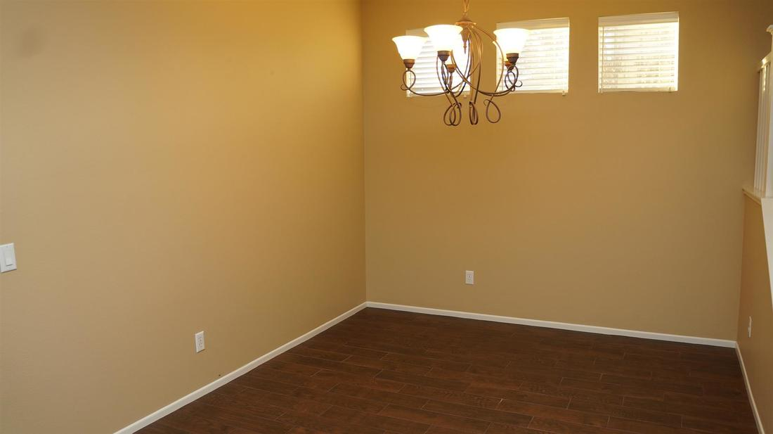 27511 Nike Lane, Canyon Country, CA 91351 - Dining Room