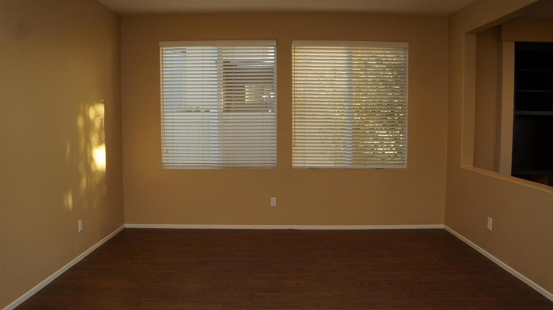 27511 Nike Lane, Canyon Country, CA 91351 - Living Room