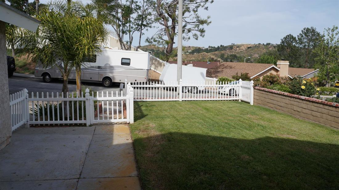 27415 Elder View Drive, Valencia, CA 91354 - Front Yard