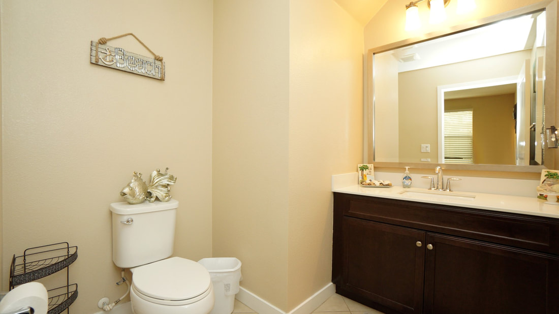 436 Pear Avenue #103, Ventura, CA 93004 - Powder Room