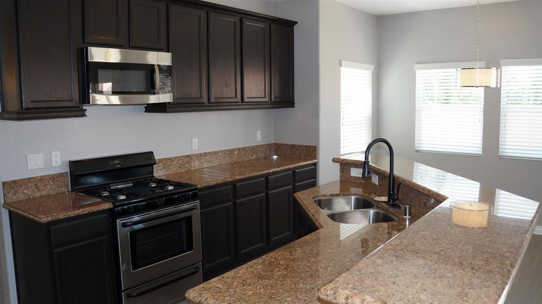 43803 5th Street East, Lancaster, CA 93535 - Kitchen (2)