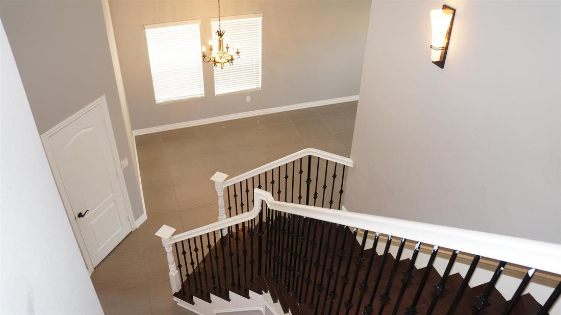 43803 5th Street East, Lancaster, CA 93535 - Staircase (3)