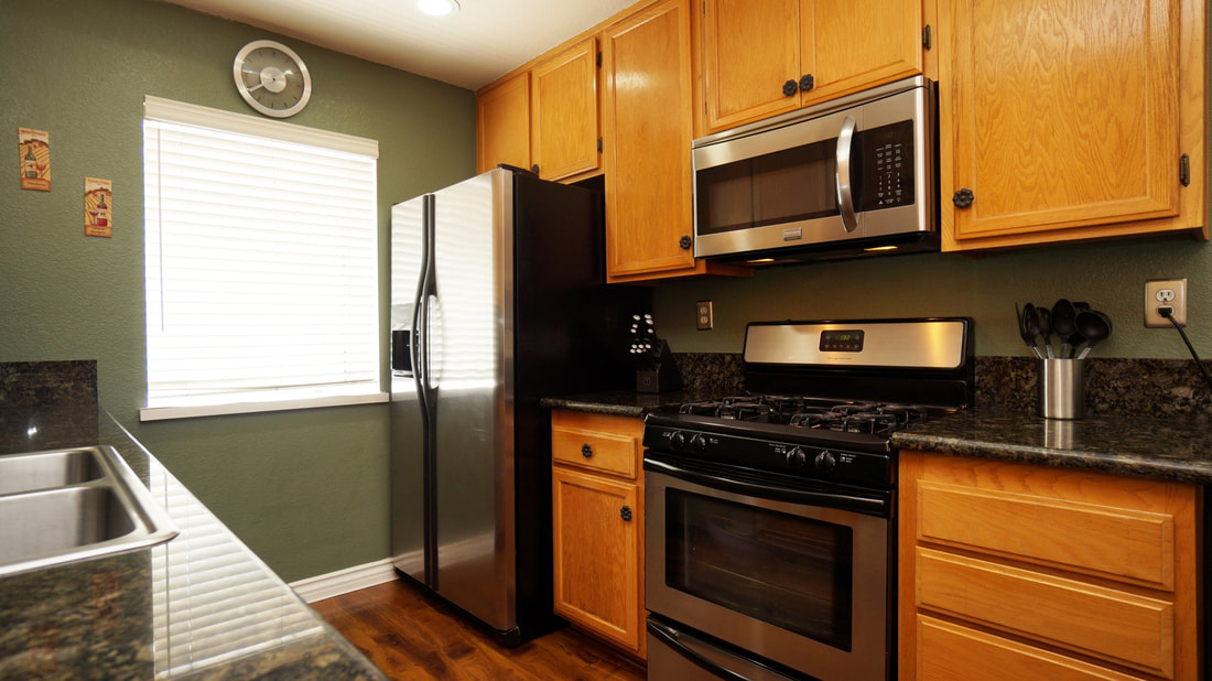 5245 Columbus Place, Oxnard, CA 93033 - Kitchen 2