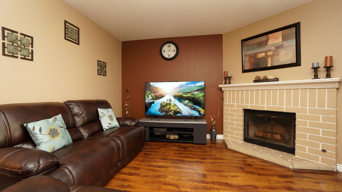 5245 Columbus Place, Oxnard, CA 93033 - Living Room 1