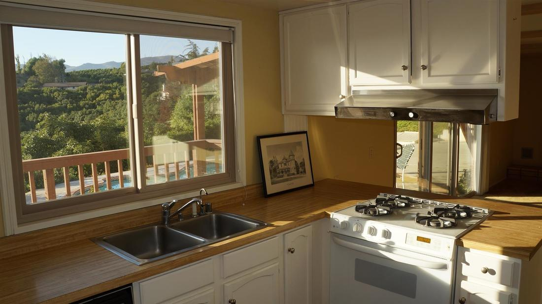 5985 West Greentree Drive, Somis, CA 93066 - Kitchen