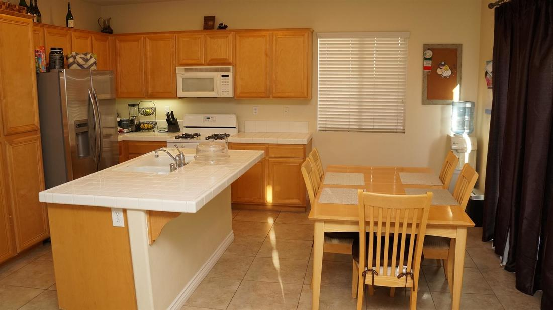 1952 Socorro Way, Oxnard, CA 93030 - Kitchen