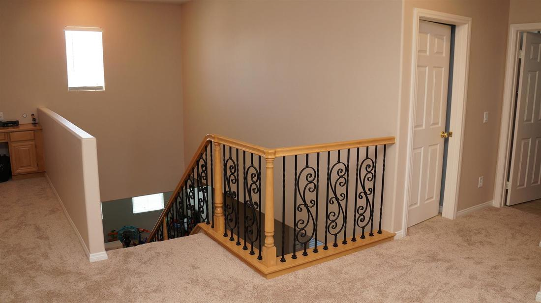 6125 W Ave J-11, Lancaster, CA 93536 - Stairway