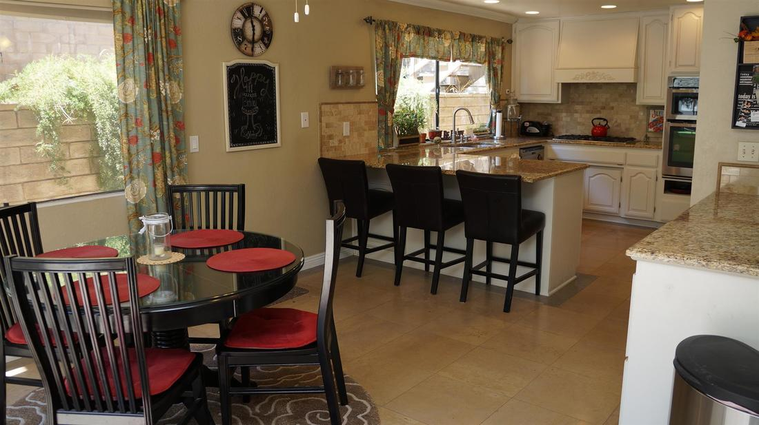 23710 La Salle Canyon Road, Newhall, CA 91321 - Breakfast Nook