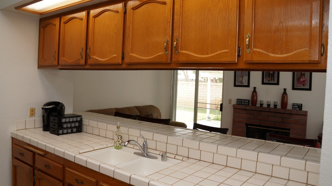 1554 Bluebell Street, Lancaster, CA 93535 - Kitchen